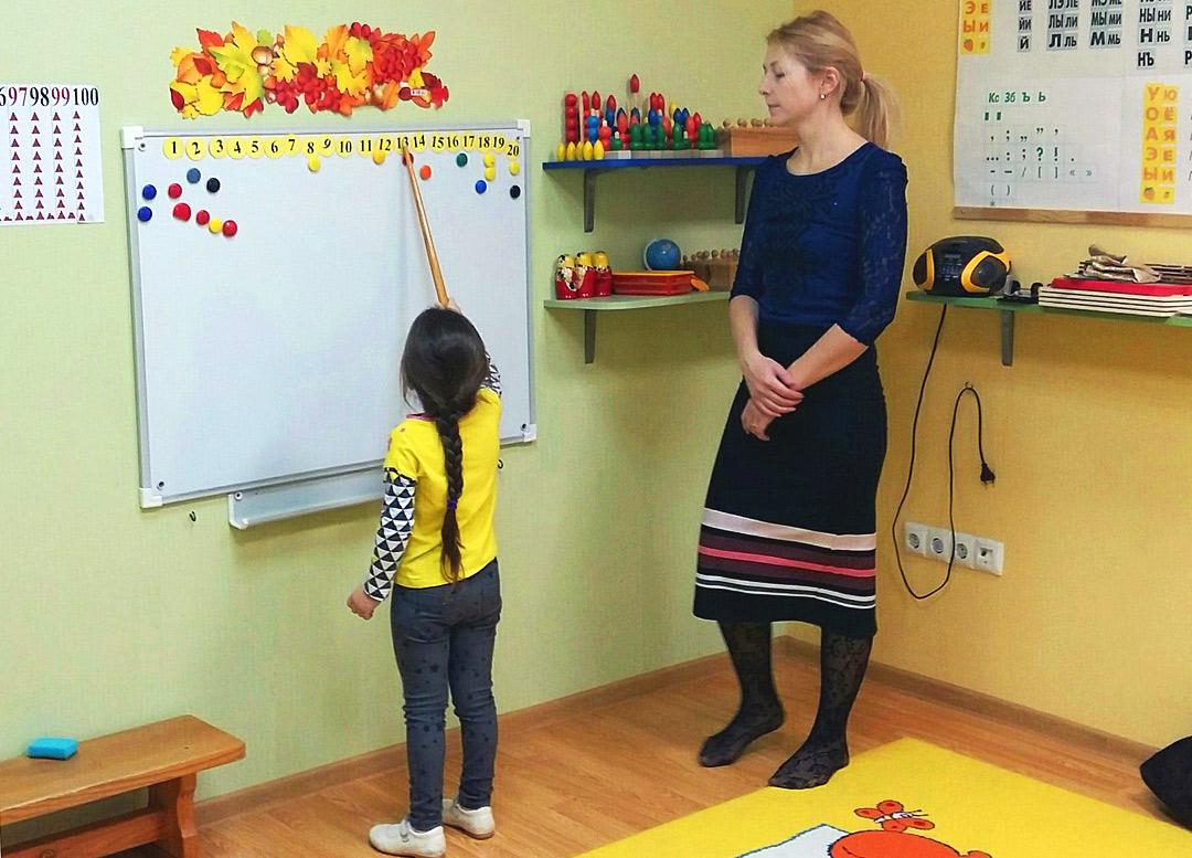 """Английский язык для детей в Самаре - фото с занятий в детском клубе """"Юла"""""""