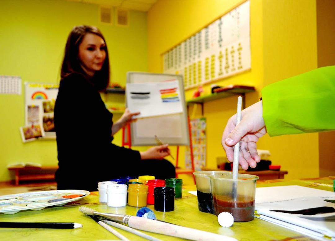 """Художественная школа для детей в Самаре - фото с занятий в детском клубе """"Юла"""""""