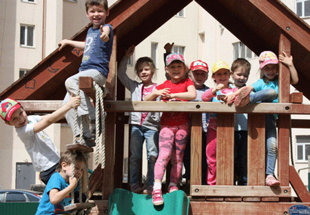 Частный детский сад - фотография прогулочной площадки в филиале на Московском шоссе