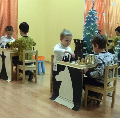 """Шахматный турнир в Клубе Развития """"Юла"""""""